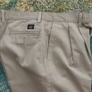 Dockers no wrinkle twill.  38/32